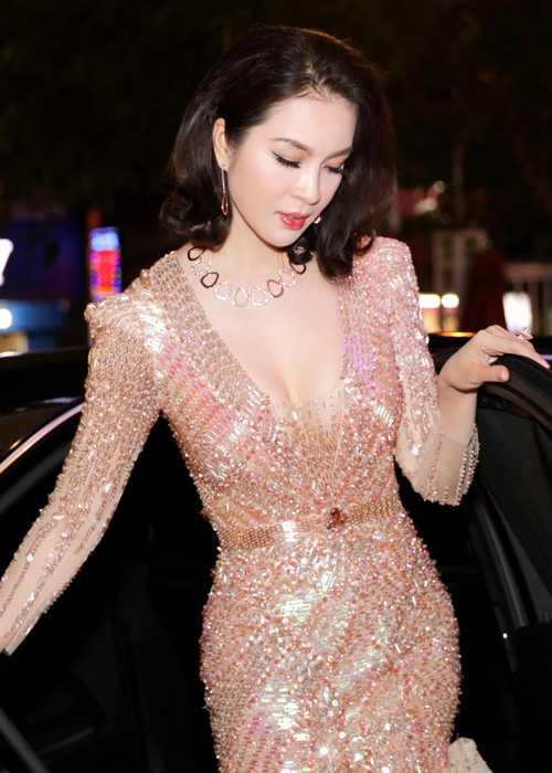 Ha Kieu Anh, Thanh Mai U50 nhan sac van chua tan phai hinh anh 5