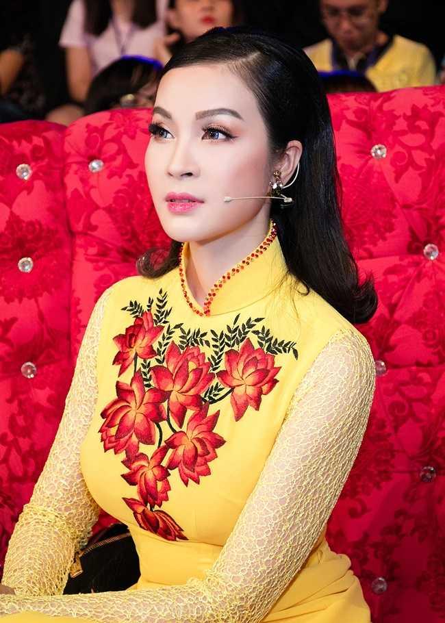 Ha Kieu Anh, Thanh Mai U50 nhan sac van chua tan phai hinh anh 2