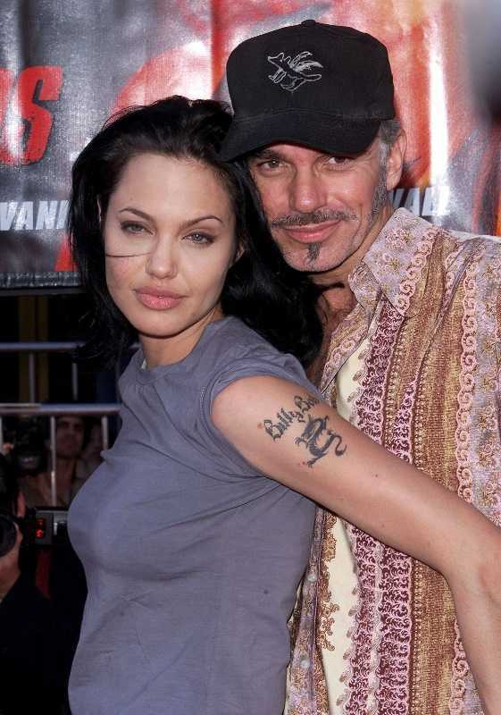 Hau ly hon, Angelina Jolie 'nhom lai ngon lua tinh' voi chong cu nghien ngap hinh anh 3