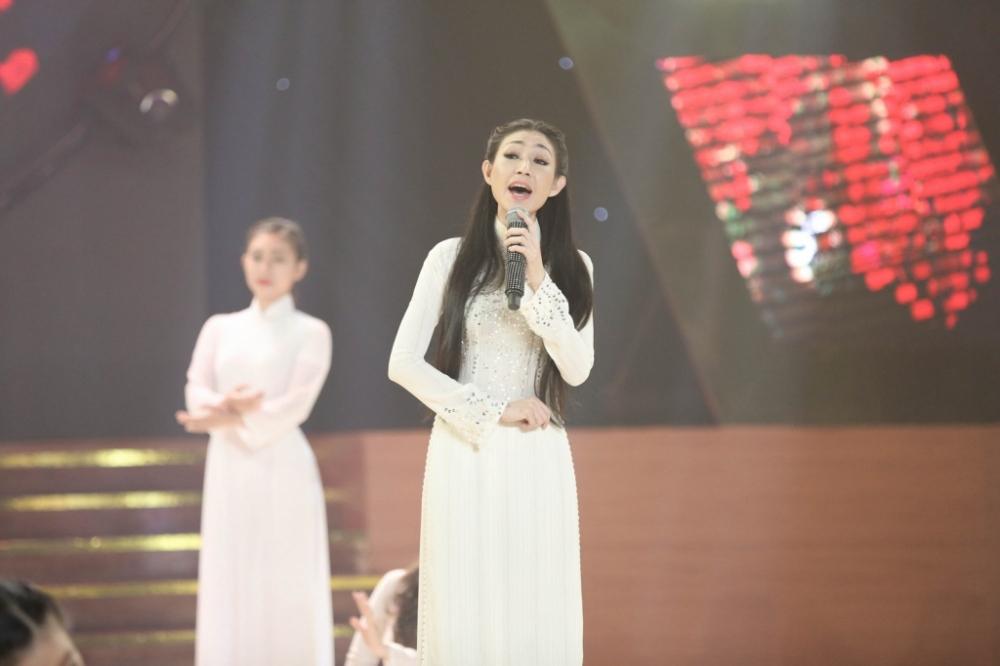 Dam Vinh Hung giu loi hua, het long ho tro tinh cu Hoai Linh hinh anh 3