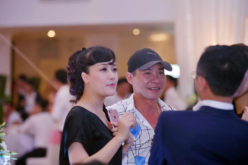 Dam cuoi MC Thanh Trung: Cong Ly sanh doi tinh moi, hoi ngo Thao Van hinh anh 8