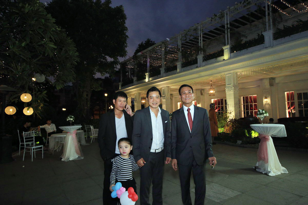 Dam cuoi MC Thanh Trung: Cong Ly sanh doi tinh moi, hoi ngo Thao Van hinh anh 10