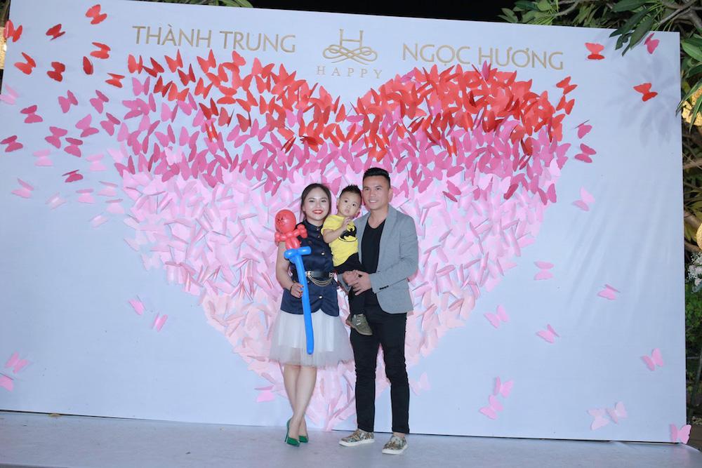 Dam cuoi MC Thanh Trung: Cong Ly sanh doi tinh moi, hoi ngo Thao Van hinh anh 14