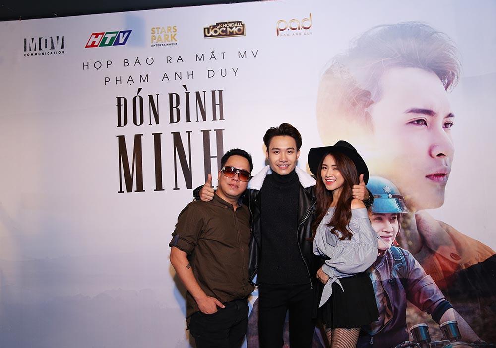 Hoa Minzy, Rocker Nguyen sanh doi den chuc mung Pham Anh Duy hinh anh 2