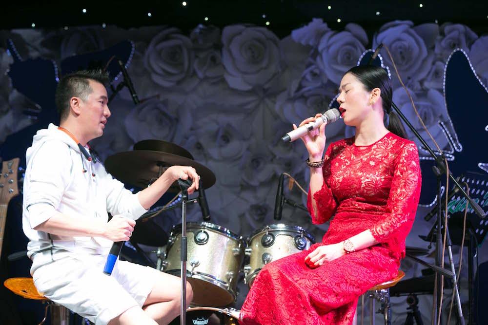 Video: Dam Vinh Hung song ca voi tinh cu Hoai Linh hinh anh 6