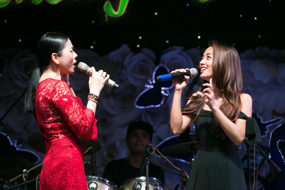Video: Dam Vinh Hung song ca voi tinh cu Hoai Linh hinh anh 7