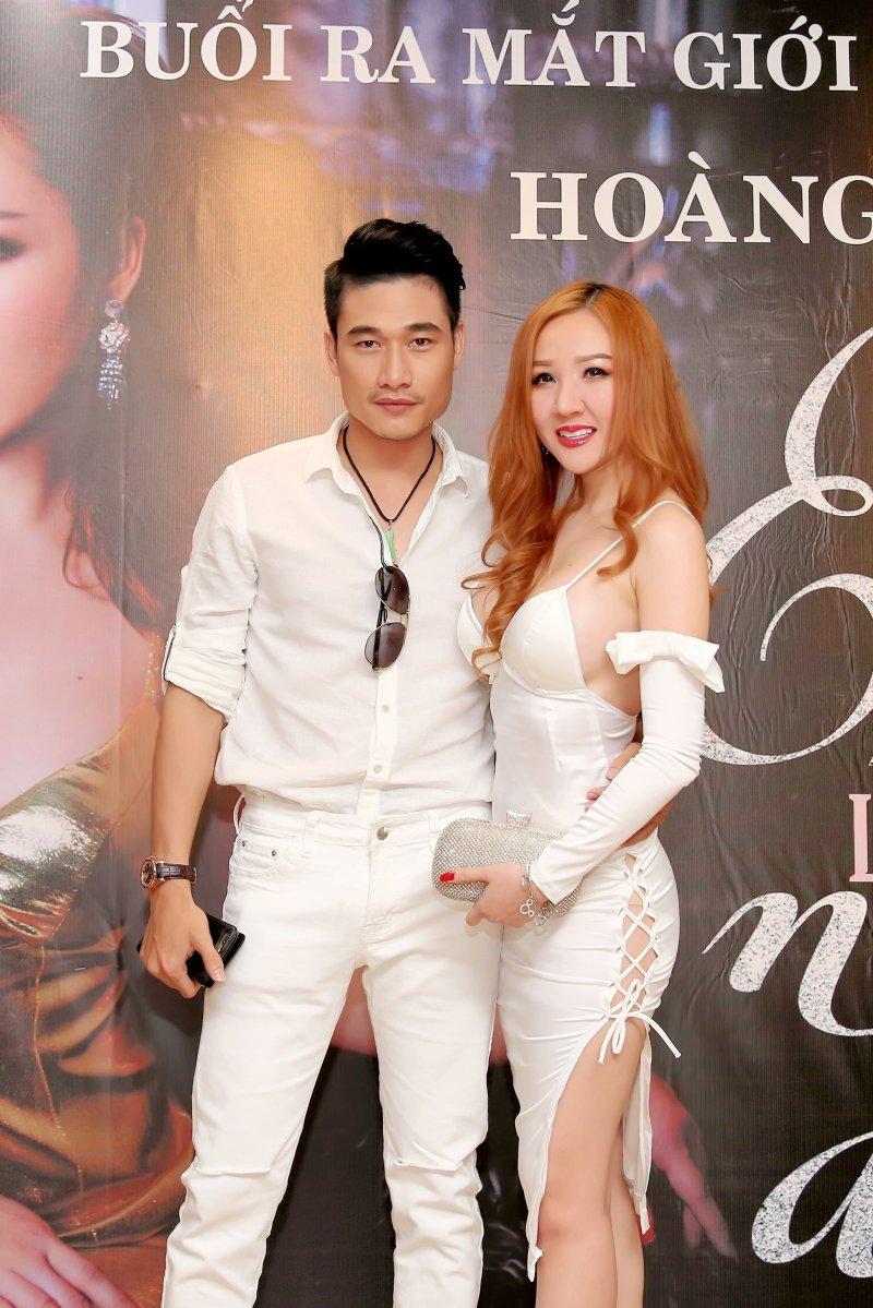 A hau Hoang Hai My sexy khong noi y ra mat ca khuc moi hinh anh 3