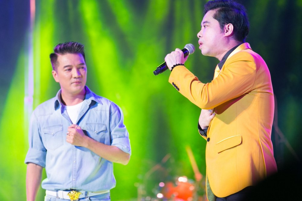 Video: Tinh cu ke chuyen tinh voi Hoai Linh trong liveshow Mr. Dam hinh anh 6