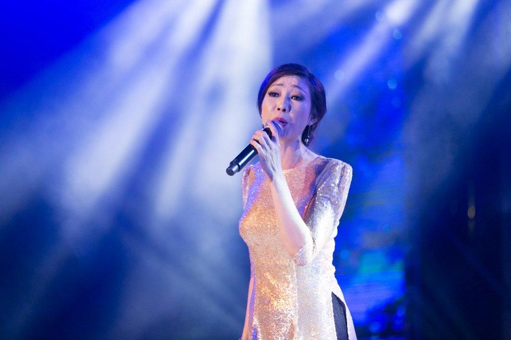 Video: Tinh cu ke chuyen tinh voi Hoai Linh trong liveshow Mr. Dam hinh anh 7
