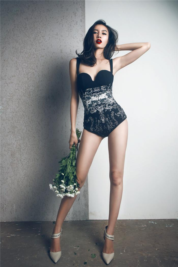 Tu khi 'lot xac' sexy, Lan Ngoc giong Hoang Thuy Linh den ngo ngang hinh anh 10