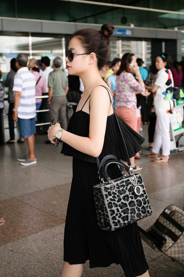 Hoang Thuy Linh bi mat kiem tien 'khung' nho nhan sac sexy hinh anh 20