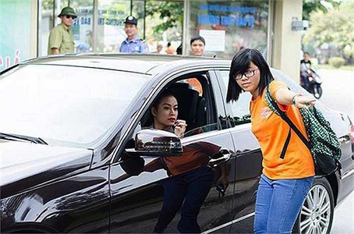 Hoang Thuy Linh bi mat kiem tien 'khung' nho nhan sac sexy hinh anh 7