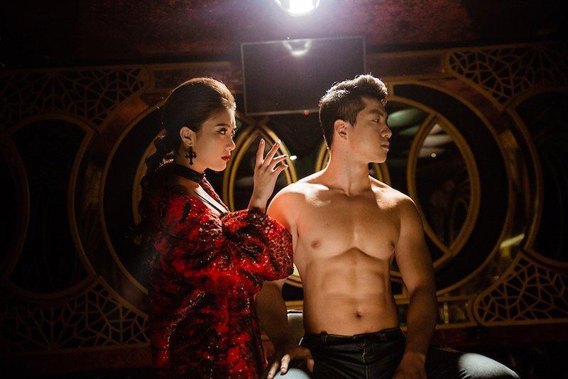 Chau gai Lam Truong lan dau sexy khoe 'sieu vong mot' hinh anh 10