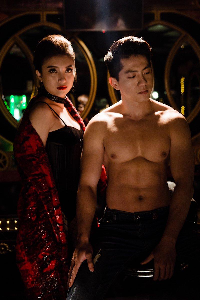 Chau gai Lam Truong lan dau sexy khoe 'sieu vong mot' hinh anh 9