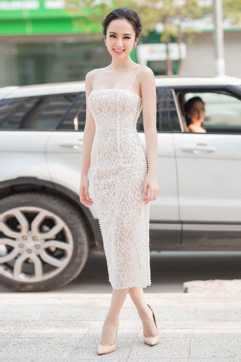 Angela Phuong Trinh tao bao khong noi y, khoe da trang quyen ru hinh anh 3