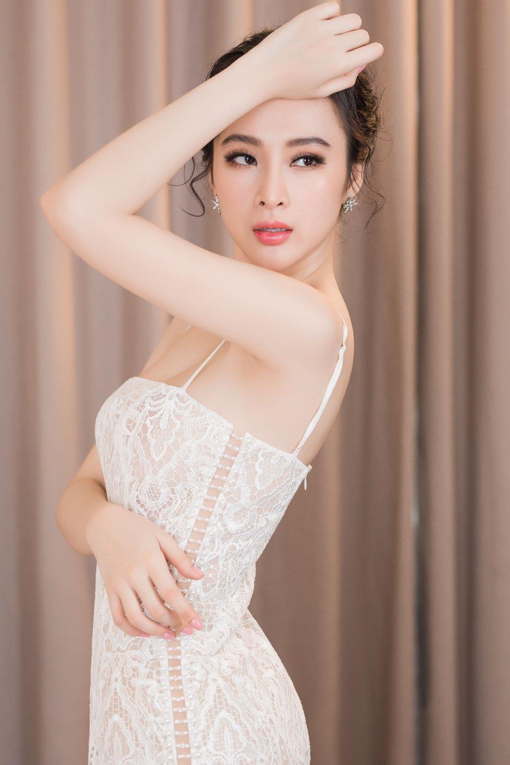 Angela Phuong Trinh tao bao khong noi y, khoe da trang quyen ru hinh anh 6