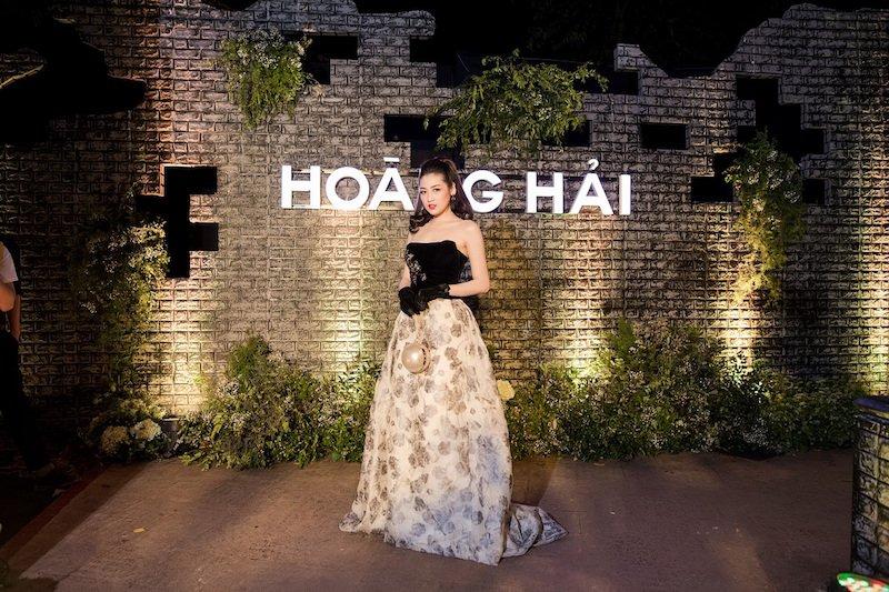 Mai Phuong Thuy gay hot hoang voi nhan sac that hinh anh 9