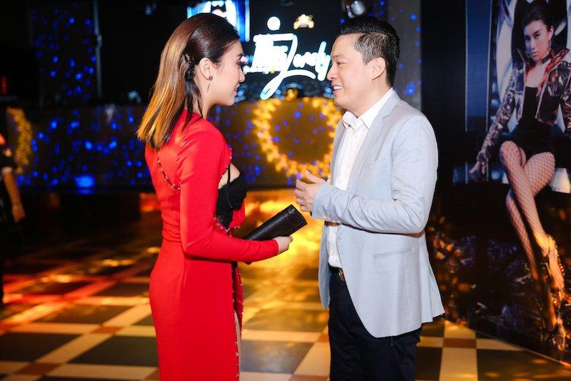 Lam Truong doi mua den mung chau gai Tieu Chau Nhu Quynh hinh anh 5