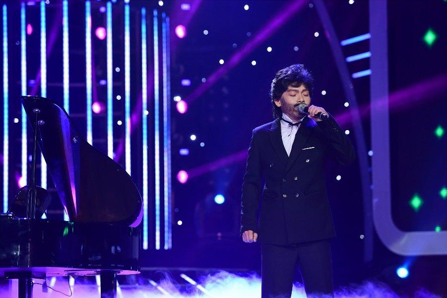 Guong mat than quen 2017: Hoai Linh 'ngat' tren ghe giam khao vi qua buon cuoi hinh anh 5