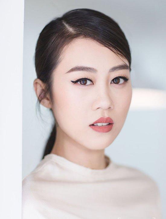 Hau scandal bi chen ep va cam dien, Kikki Le tro lai 'Vietnam's Next Top Model' hinh anh 2