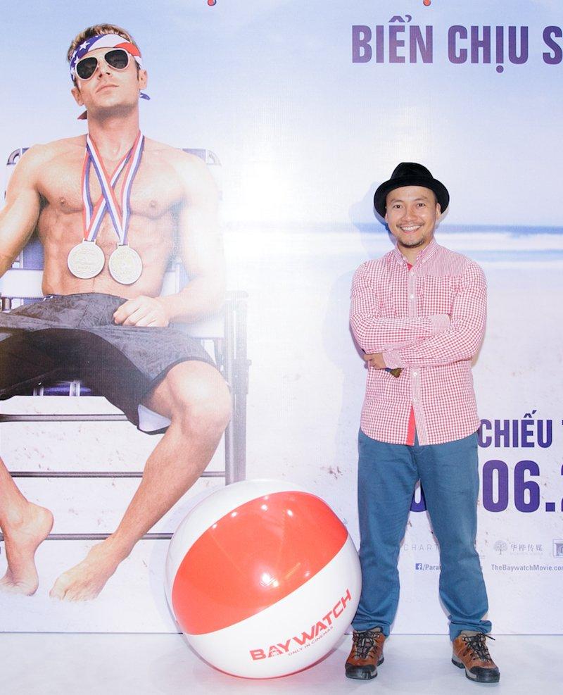 A vuong Thuan Nguyen do ve nam tinh voi MC dien trai nhat VTV hinh anh 10