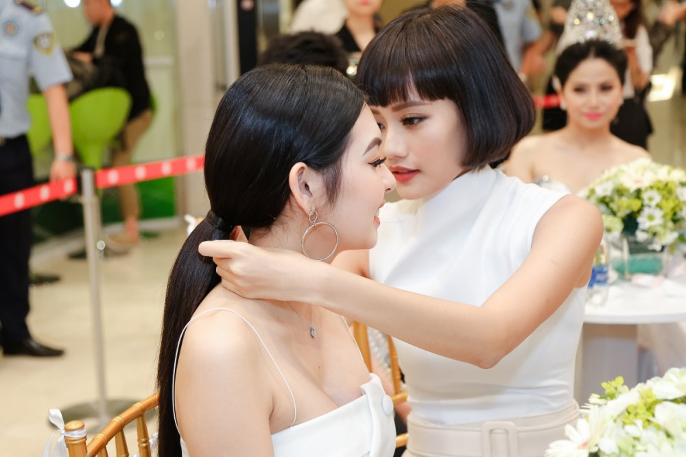 Kim Chi 'The Face' cham chut em ho Truong Ngoc Anh tung li tung ti hinh anh 8