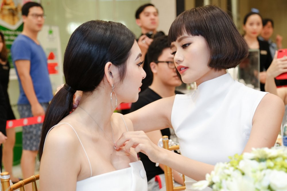Kim Chi 'The Face' cham chut em ho Truong Ngoc Anh tung li tung ti hinh anh 9