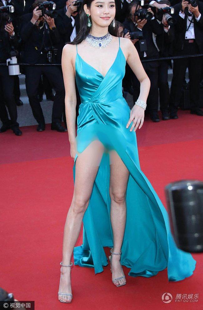 Loat scandal lo hang cua Pham Bang Bang, Duong Mich... tren tham do Cannes hinh anh 8