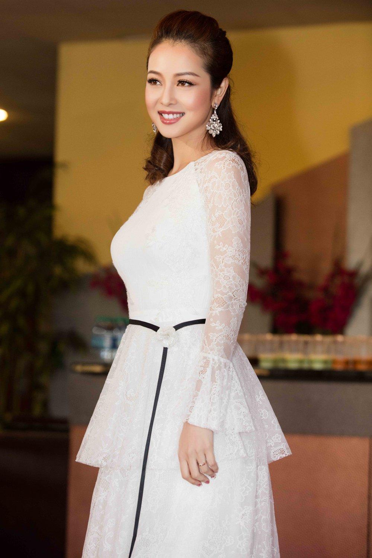 Jennifer Pham dien dam sexy khoe duong cong quyen ru hinh anh 2