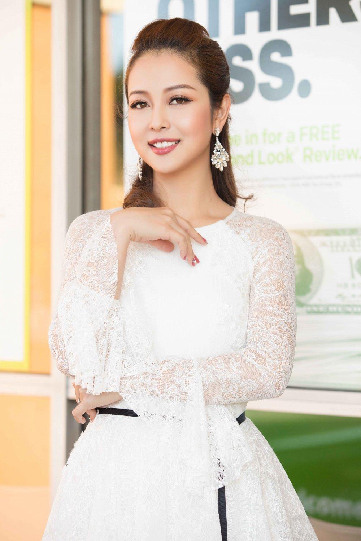 Jennifer Pham dien dam sexy khoe duong cong quyen ru hinh anh 3
