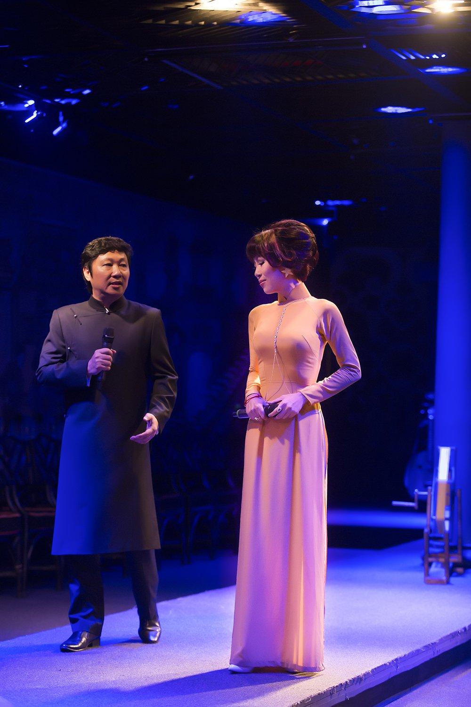Trac Thuy Mieu giup Vu Manh Cuong lam HLV 'En sinh vien' hinh anh 4