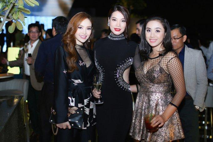 Truong Ngoc Anh, Minh Hang than thiet cung dao dien phim 'Kong' hinh anh 7