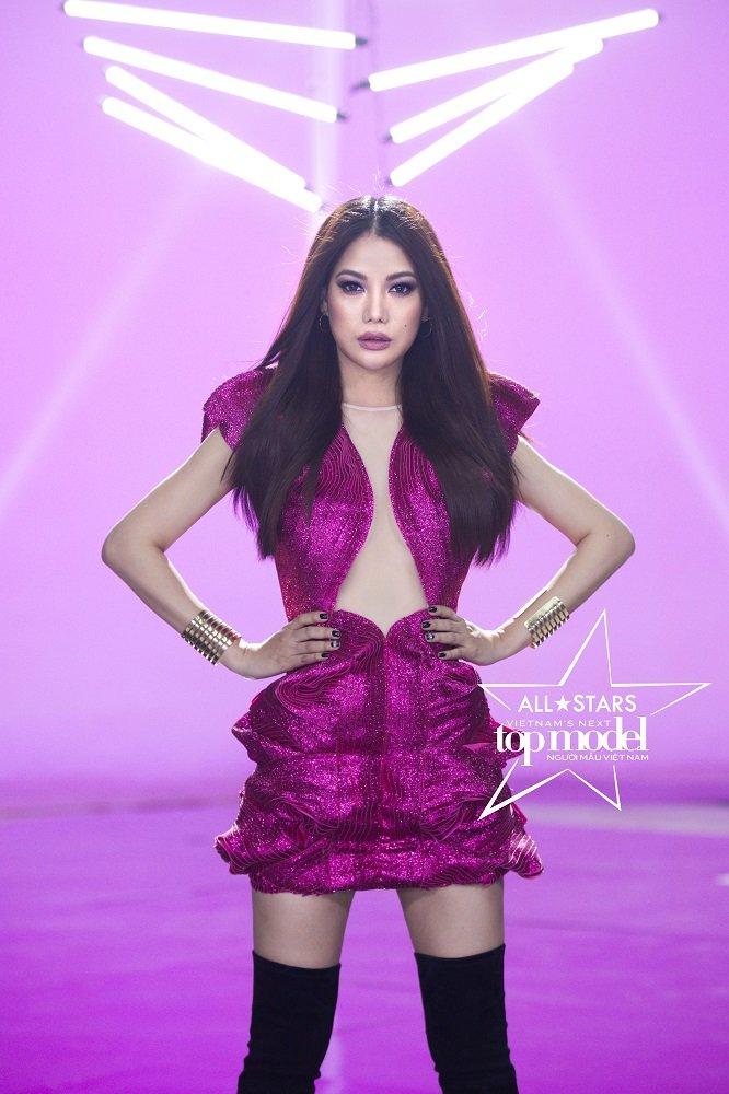 Khong phai Hoang Yen, Truong Ngoc Anh moi la host Vietnam's Next Top Model - All Stars 2017 hinh anh 3