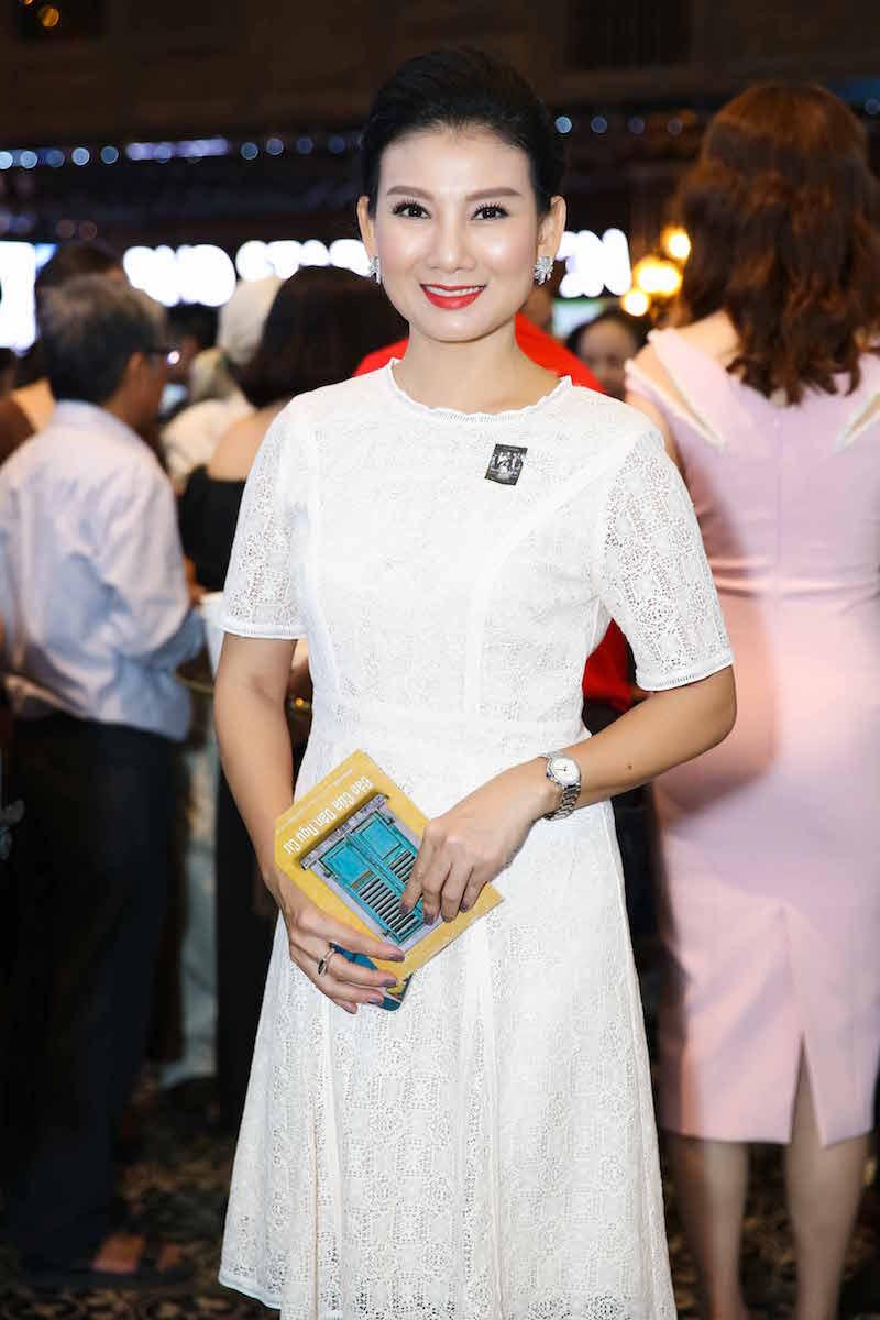 Trang Tran tai xuat hau scandal, do sac voi Ngoc Thanh Tam hinh anh 12