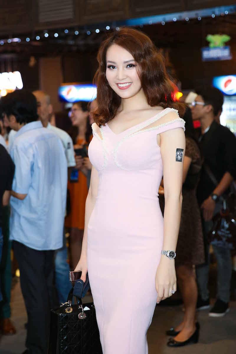Trang Tran tai xuat hau scandal, do sac voi Ngoc Thanh Tam hinh anh 15