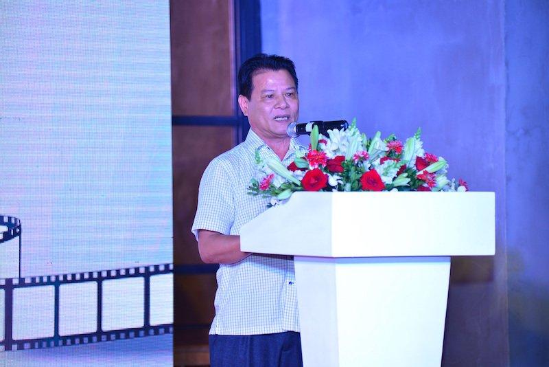Vua lam host 'Vietnam Next Top Model 2017', Truong Ngoc Anh dat show lam giam khao hinh anh 2