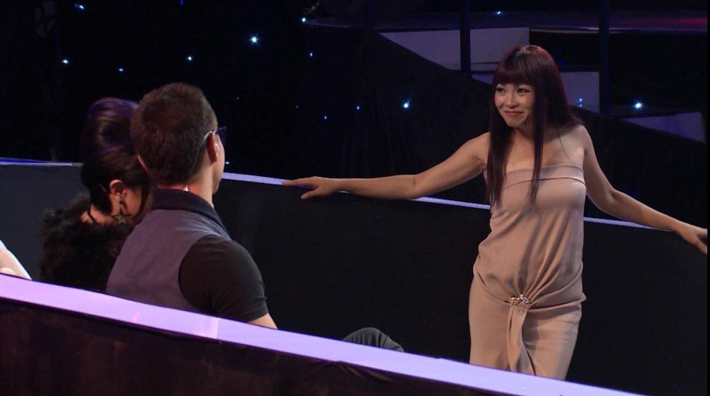 Video: Phuong Thanh lan dau tro tai nhay sexy quyen ru Kim Ly hinh anh 1