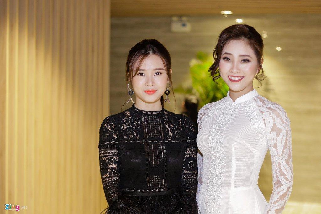 Nu sinh 17 tuoi doat giai Hoa khoi nu sinh ao dai 2017 hinh anh 9