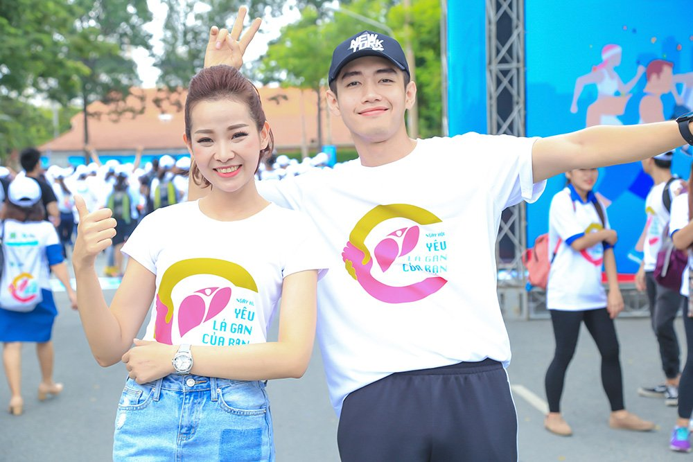 O tuoi 40, Thuy Hanh van tu tin do sac voi nu MC 9x hinh anh 8