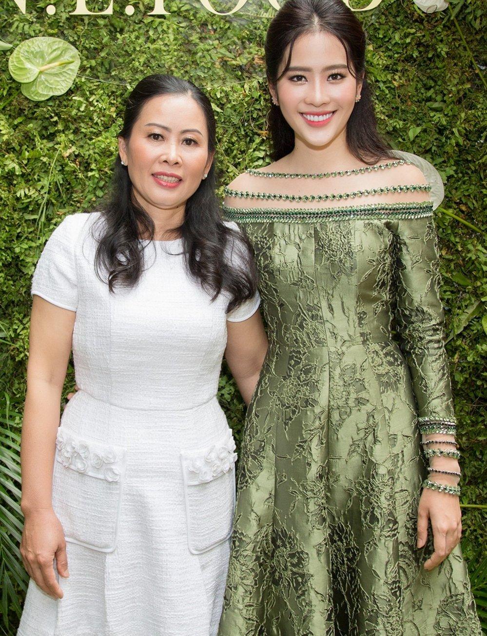 Tuong Linh 'The Face', Dieu Linh rang ro chuc mung Nam Em lam ba chu hinh anh 2