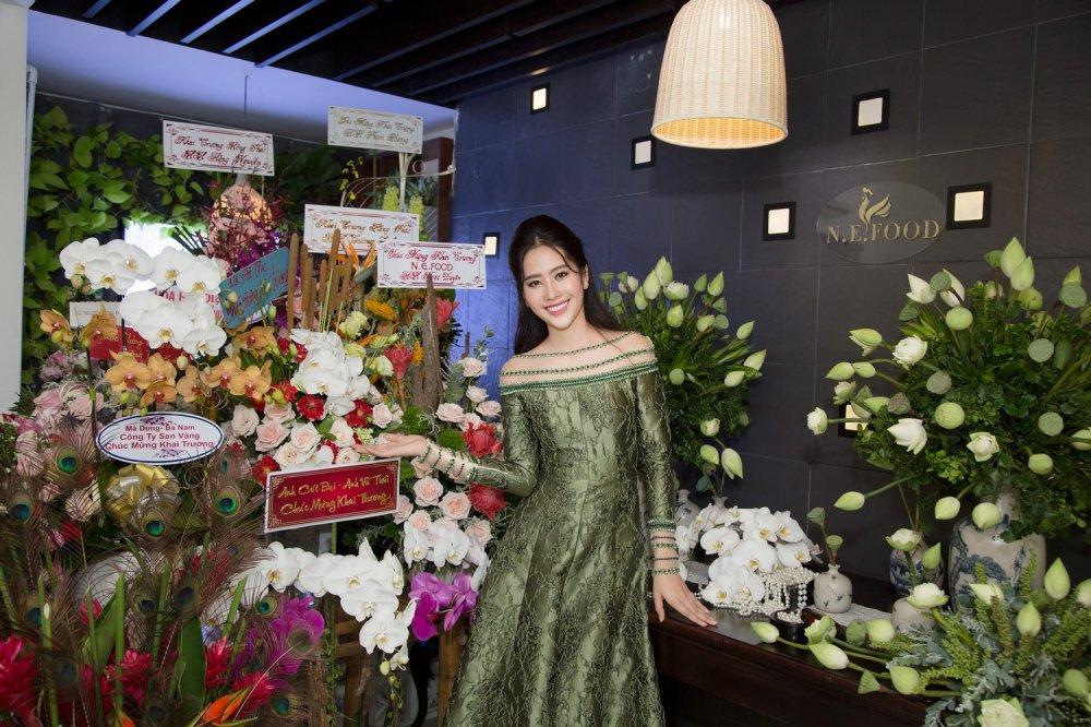 Tuong Linh 'The Face', Dieu Linh rang ro chuc mung Nam Em lam ba chu hinh anh 11