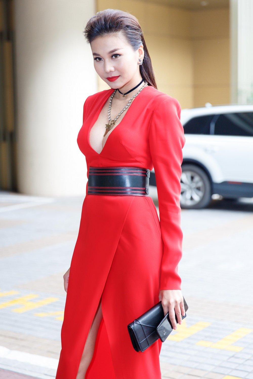 Vua roi nha chung Top Model, Lai Thanh Huong tre nai do ve sexy voi Thanh Hang hinh anh 7
