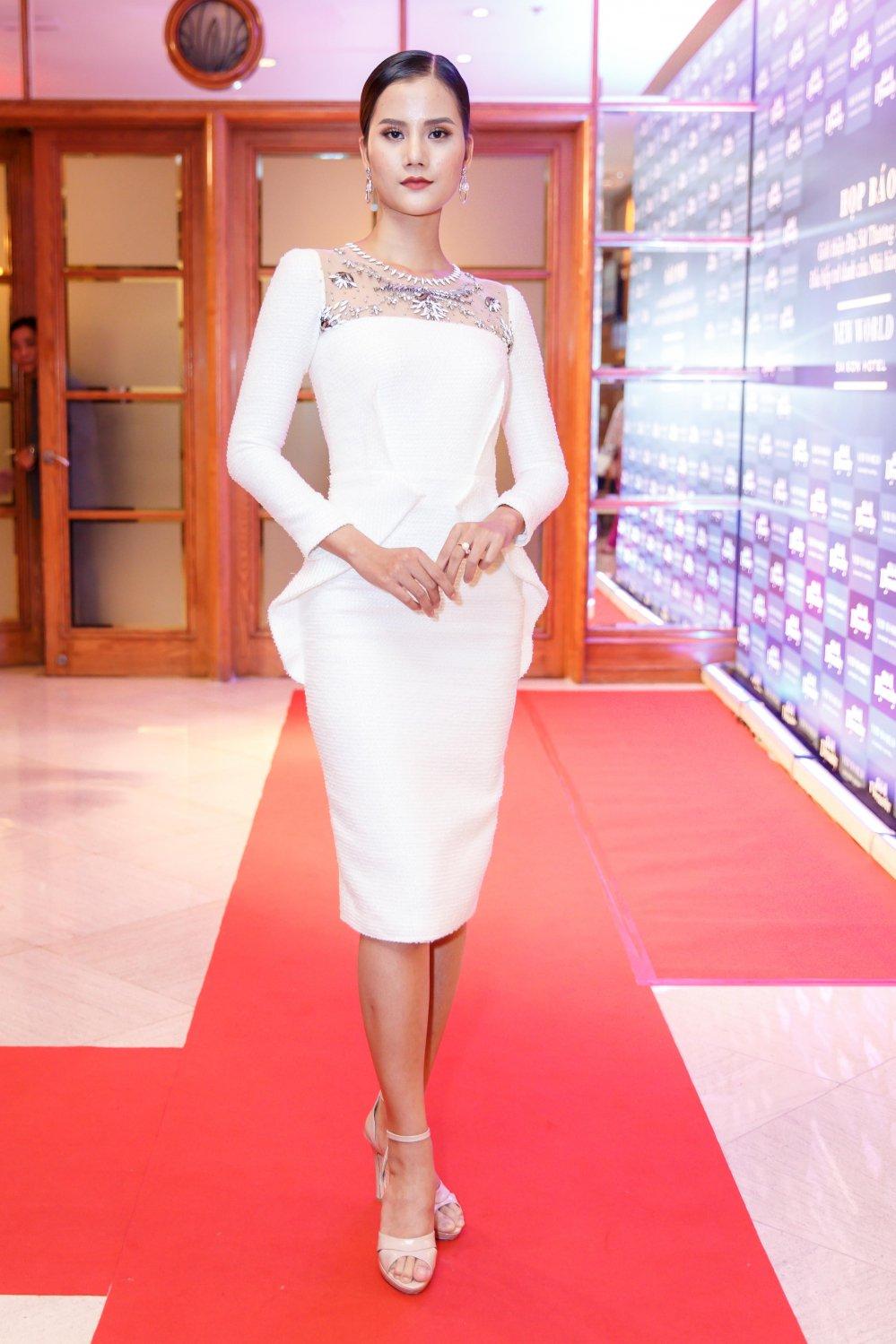 Vua roi nha chung Top Model, Lai Thanh Huong tre nai do ve sexy voi Thanh Hang hinh anh 1