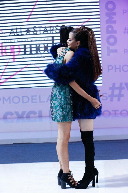 Bi loai vi 'song qua ban nang', Nguyen Hop xin loi BTC Vietnam's Next Top Model hinh anh 3