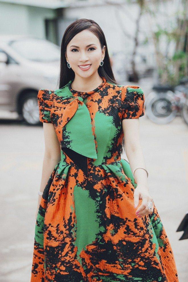 Ty phu Ha Phuong duoc 20 nguoi ho tong, nhat quyet giau mat con hinh anh 2