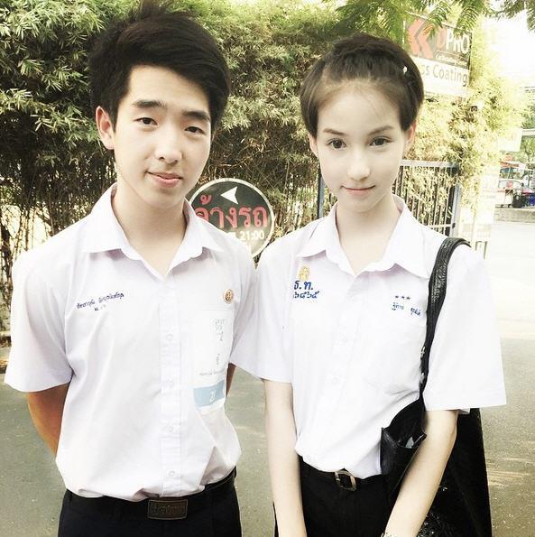 Hoa hau chuyen gioi Thai Lan tung bi bo me phan doi phau thuat hinh anh 5