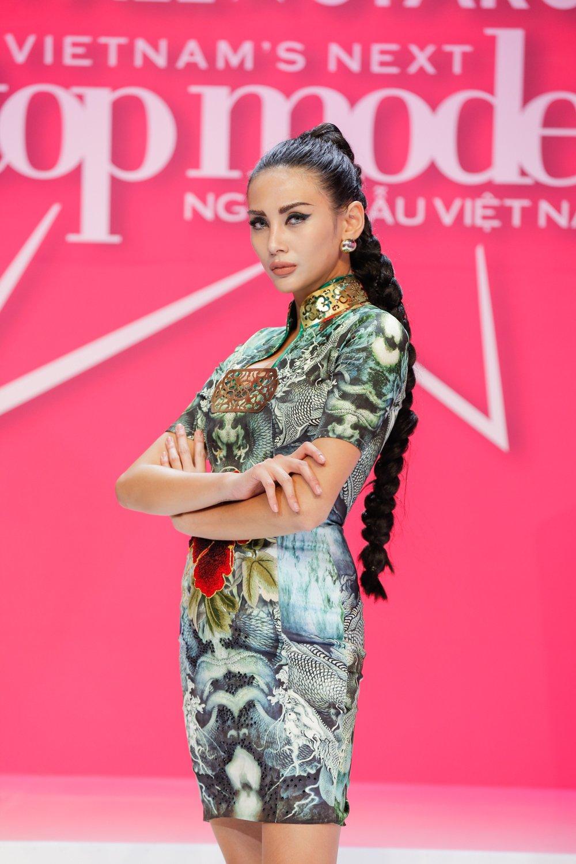 Giai ma gu thoi trang an tuong cua Vo Hoang Yen tai 'Vietnam's Next Top Model - All Stars' hinh anh 11