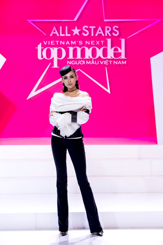 Giai ma gu thoi trang an tuong cua Vo Hoang Yen tai 'Vietnam's Next Top Model - All Stars' hinh anh 4