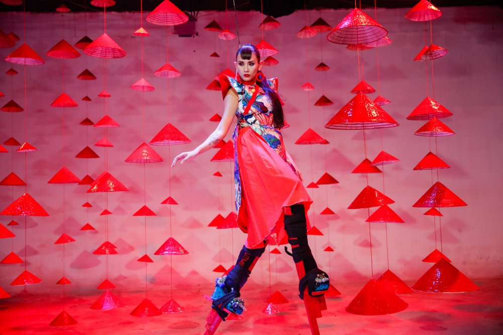 Giai ma gu thoi trang an tuong cua Vo Hoang Yen tai 'Vietnam's Next Top Model - All Stars' hinh anh 19