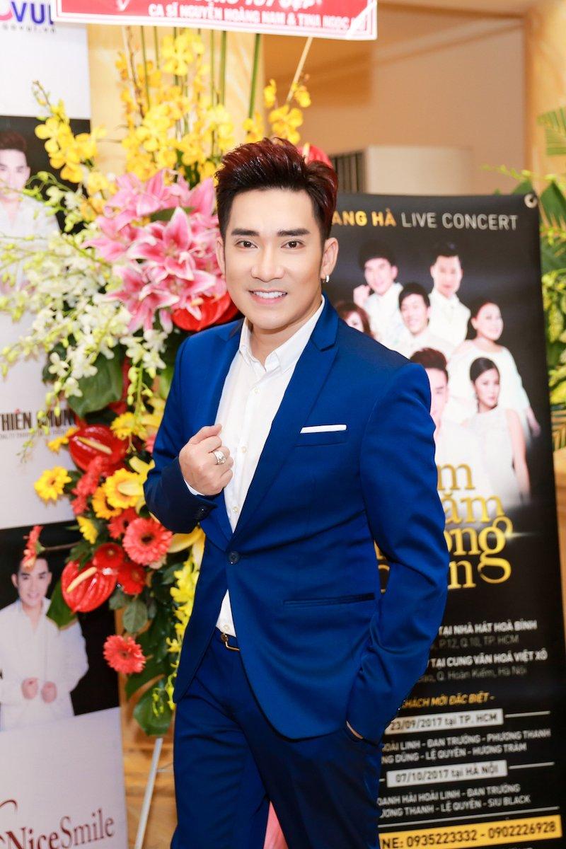 Video: Le Quyen, Quang Ha ke chuyen thuo di hat bang xe om, cat-xe vai chuc nghin dong hinh anh 1